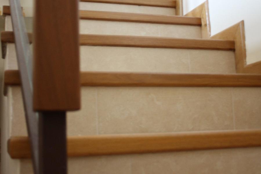 Mamperlanes de escalera madera maciza de Iroko