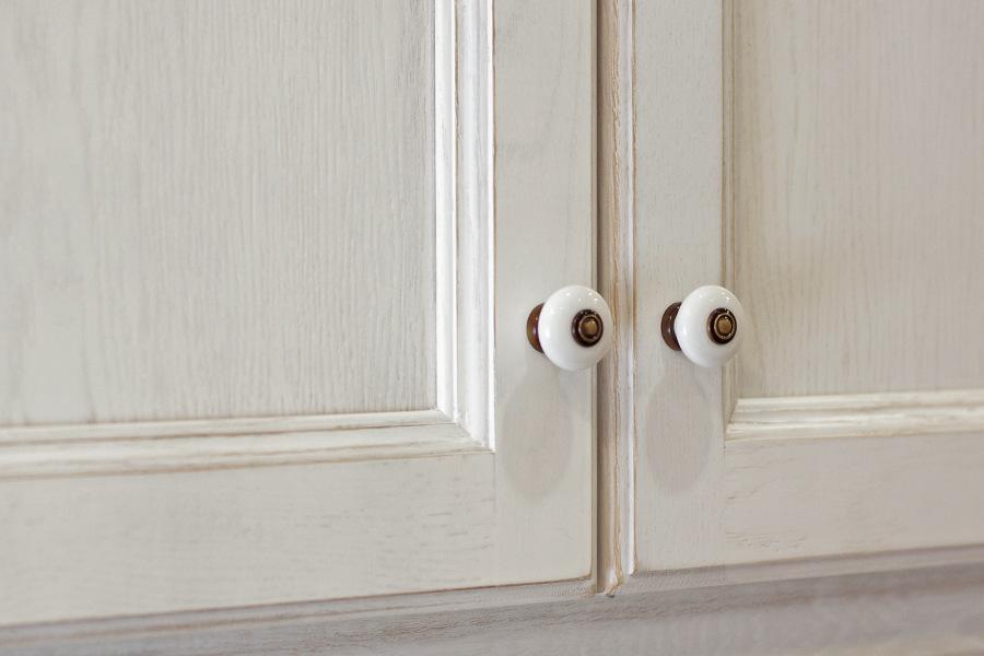 Puertas de roble provenzal lacado a poro abierto